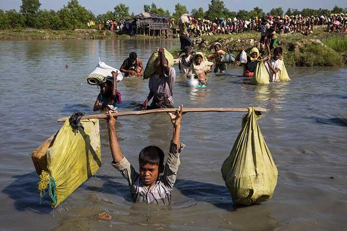 রোহিঙ্গা শরণার্থীদের দু:সাধ্য পরিক্রমা।